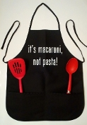 "Apron ""It's macaroni, not pasta!"""